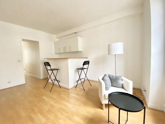 Location appartement meublé 2 pièces 33,26 m2