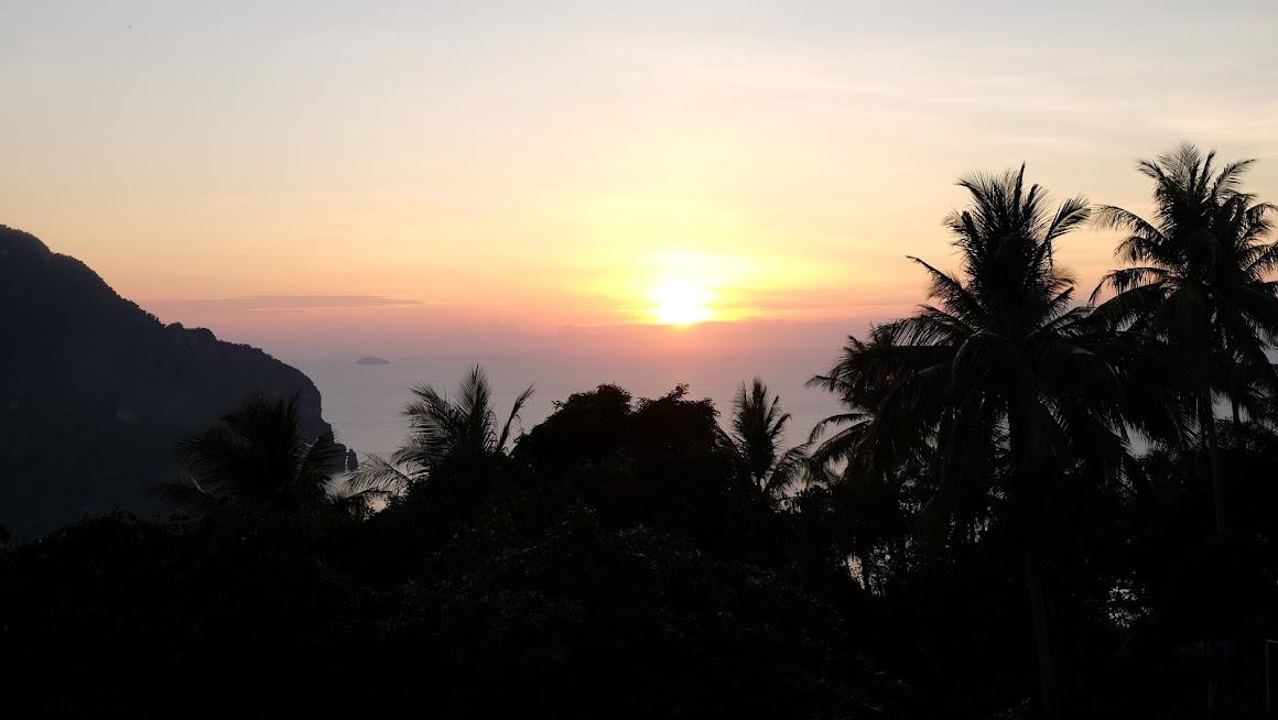 Zachód słońca na Ko Phi Phi