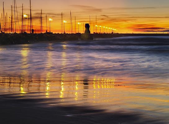 Uno specchio in riva al mare di Marchingegno
