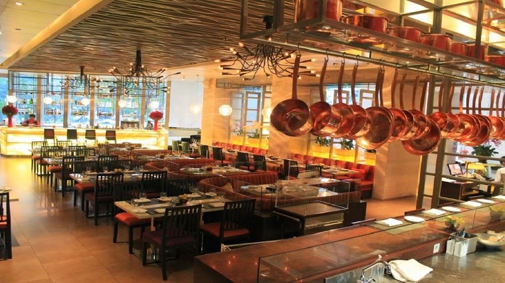 top-sports-bars-delhi-Take_Off_Scarlet