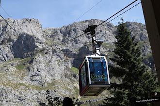 Photo: 39: Los Picos de Europa son un macizo montañoso de la Cordillera Cantábrica que se extiende por Asturias, Cantabria y Castilla y León. Llegamos al teleférico de Fuente Dé, para subir a un mirador sobre el valle, que salva un desnivel de 753 m.