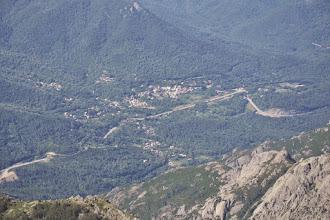Photo: dolina rieky la Gravona, aj s mestečkom asi Bocognano
