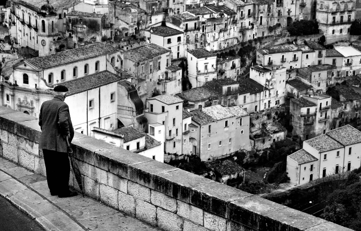 Uno sguardo sul passato... di Salvatore Gulino