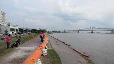 Photo: Baton Rouge! Su baskınına önlem!