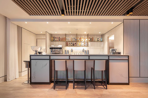 bar-at-Explorer-Lounge-Silver-Origin.jpg -  Relax at the bar at the Explorer Lounge between your adventures on Silver Origin.