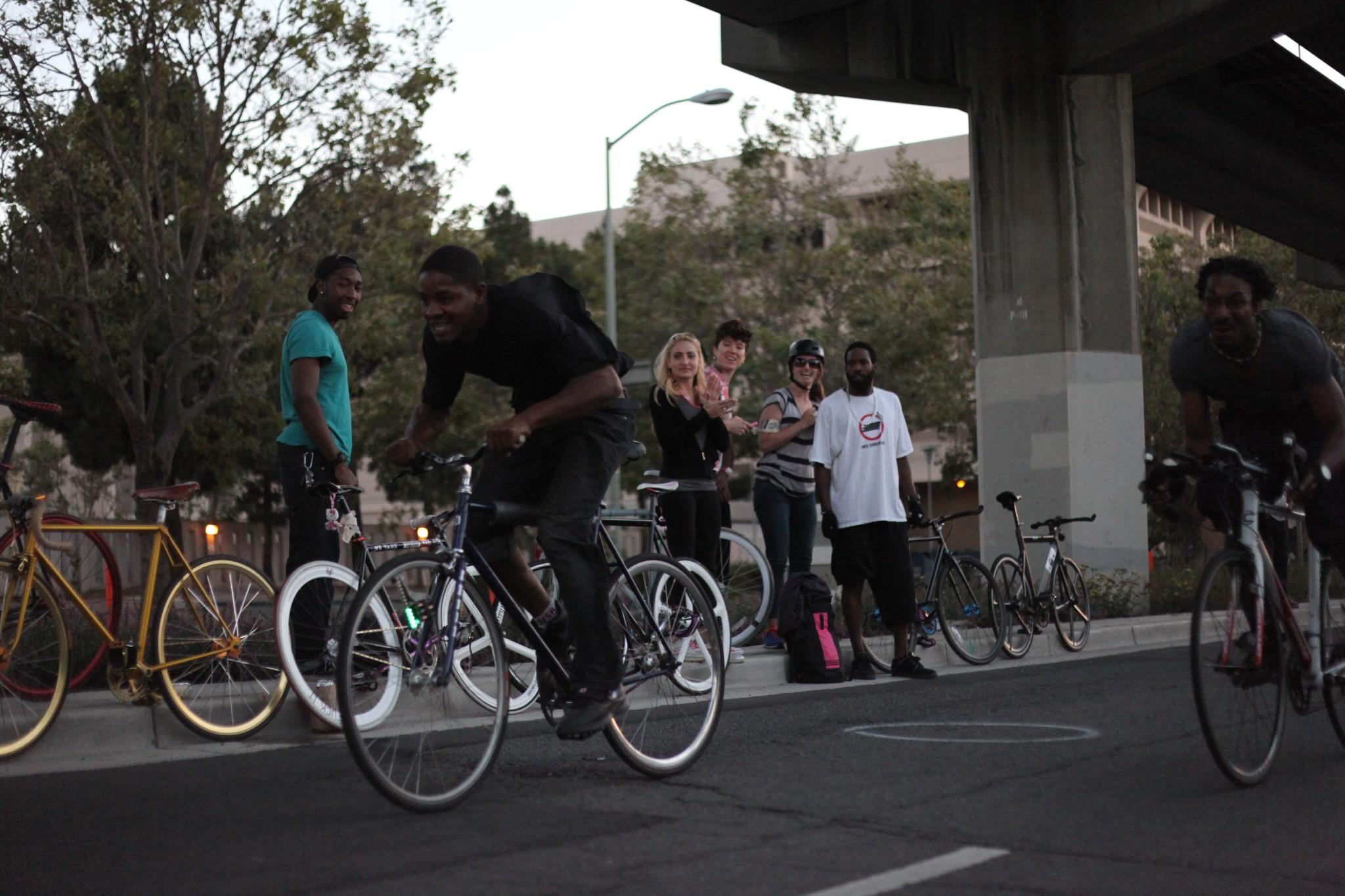 Photo: Bike racers racing towards the finish line