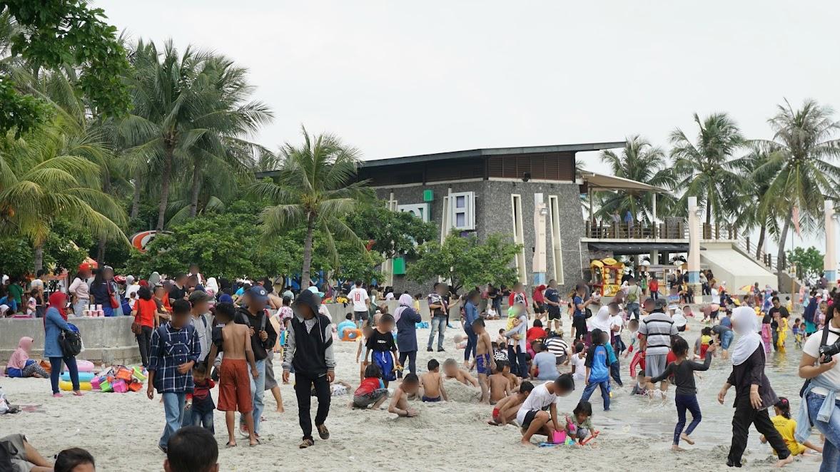 Tamasya ke Pantai Ancol