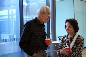 Photo: Prof Frank Rosenfeldt chatting with Mrs Candice Rosengarten, widow of David Rosengarten. The D.S. Rosengarten prize was inaugurated in 1985 and 2014 is its 30th year. Mrs Rosengarten donates the plate and plaque annually and Johnson & Johnson Medical have sponsored the $1000 prize for this and previous years.