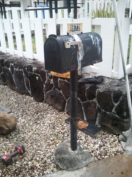 Photo: Ugly mailbox