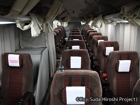 京王バス東「プリンセスロード」 81551 車内