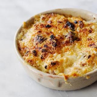 Macaroni Cheese with Basil and Garlic Recipe