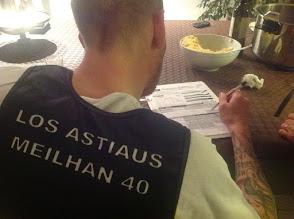 """Photo: maintenant il va falloir lui apprendre comment se dit """"Astiaus"""""""