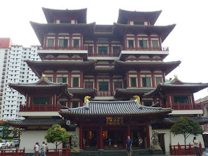 Photo: Buddha Tooth Relic Temple...