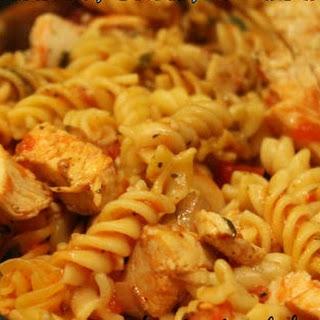 One Pot Tomato, Basil, and Chicken Pasta Recipe