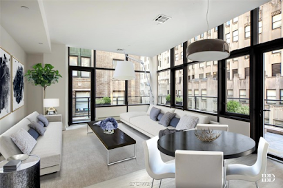 One Dutch Furnished Apartment, Financial district