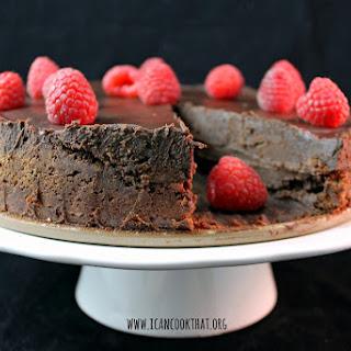 Flourless Chocolate Cake with Chocolate Ganache #Choctoberfest