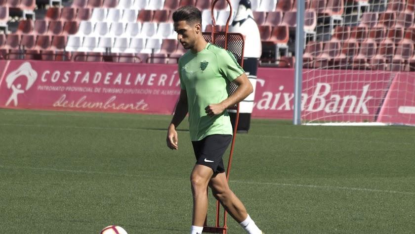Juan Ibiza está a punto de cerrar su llegada al Almería.