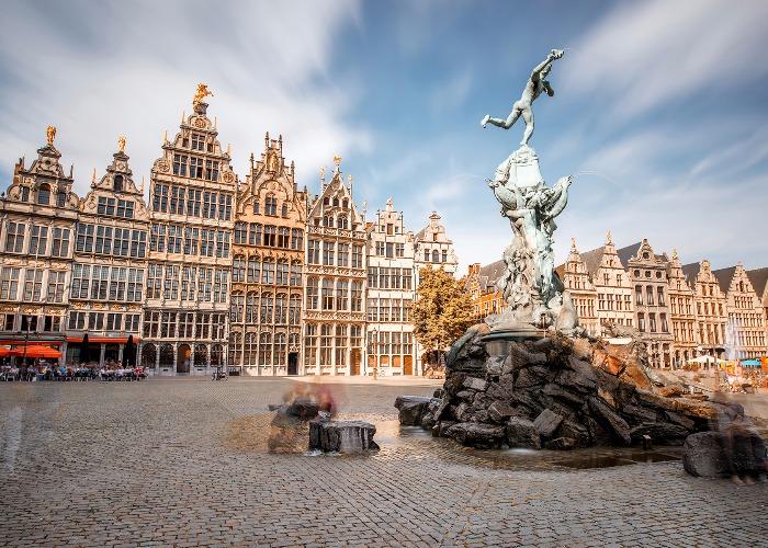 Essayez de visiter le point d'Europe, un pays extraordinaire, le Belge