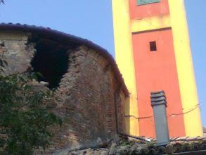 Photo: Sammartini: crollo di parte dell'abside e altre lesioni al campanile
