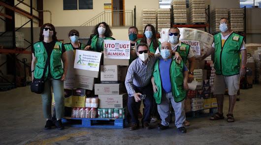La ONCE devuelve la solidaridad recibida y dona 730 kilos al Banco de Alimentos