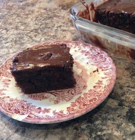 Old Fashioned Cola Cake With Cola Frosting