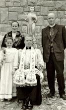 Photo: Pierwsza Komunia Święta Zofii Bukowskiej. Rodzice : Władysława Bukowska i Bronislaw Bukowski. W środku ks.Stanisław Nowak późniejszy biskup , metropolita częstochowski