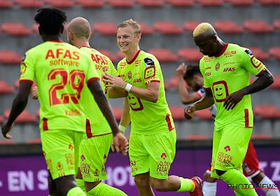 KV Mechelen neemt strafschop drie keer om zo voorlopig naar de leiding te wippen