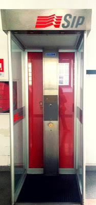 la cabina della SIP... ma il telefono dov'è? di fremorgan
