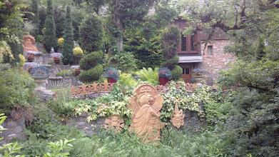 Photo: Le parc d'une maison au  hameau de Chozalet