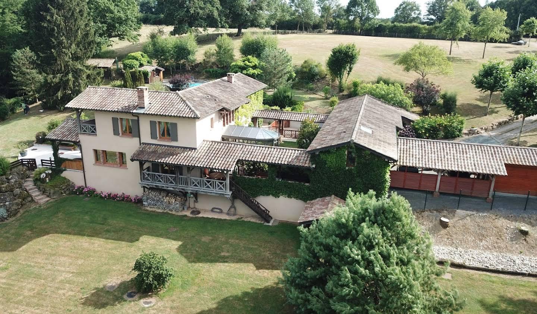 Maison avec piscine et terrasse Chatillon-sur-chalaronne