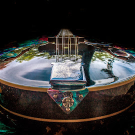 by Nic Evennett - Artistic Objects Musical Instruments