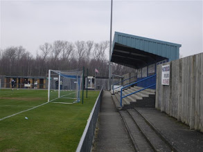 Photo: 05/03/11 v Welling United (Conference South) 0-4 - contributed by Gyles Basey-Fisher
