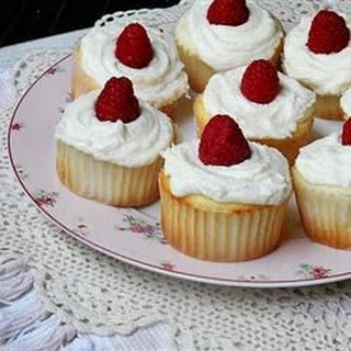 Raspberry White Chocolate Buttercream Cupcakes