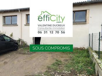 maison à Saint-André-le-Puy (42)