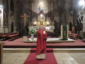 Photo: Rou2C12-151002Sibiu, bénédiction finale, chœur, messe église de la Trinité IMG_8941