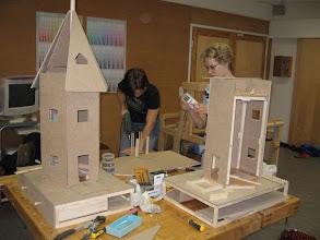 Photo: Muumitaloja valmistumassa (kurssi 2007)
