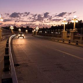 Colorado Blvd Street Bridge by Jerzy Szablowski - Buildings & Architecture Bridges & Suspended Structures ( pasadena, k-30, california, sunset, pentax, bridge, golden hour )