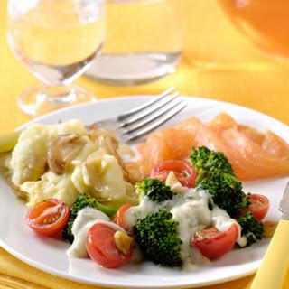 Broccoli, Tomaatjes, Zalm Met Room-basilicumsaus En Sjalotjespuree