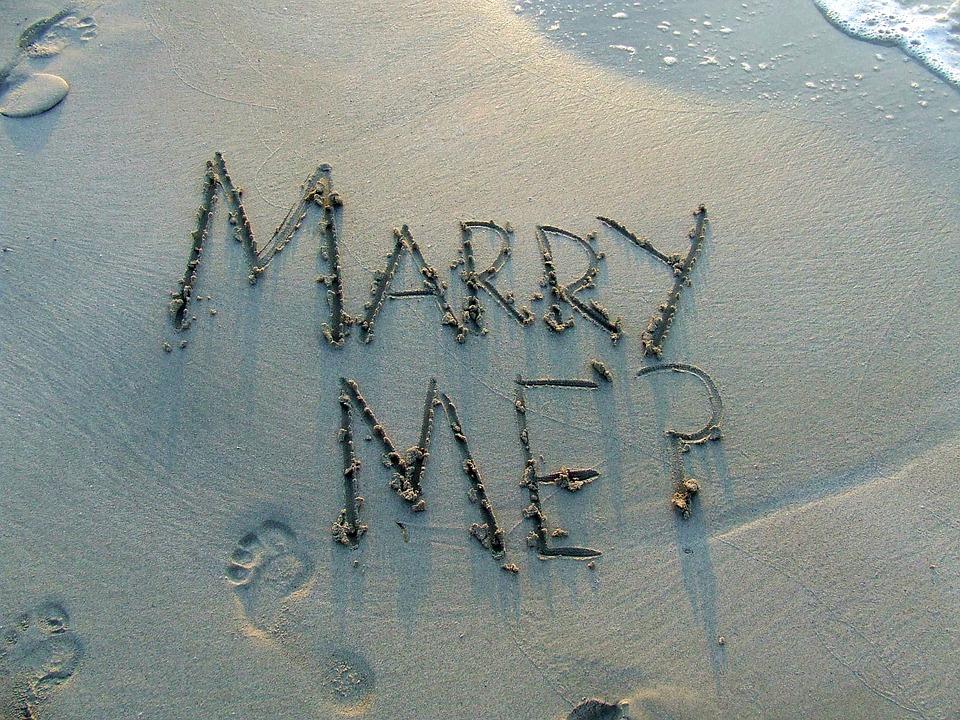 marry me e.jpg