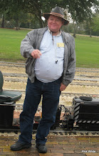Photo: The leaning Pete.   HALS Run Day 2009-1121