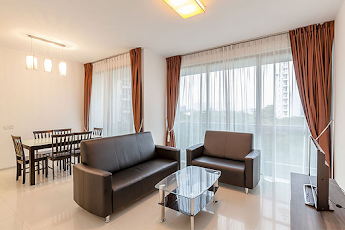 Classic 3-Bed in West of Singapore