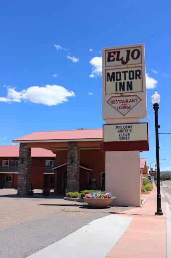El Jo Motor Inn