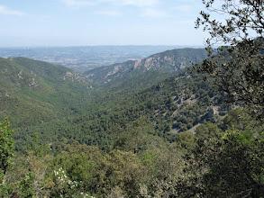 Photo: Vall de Castellfollit: al centre s'hi albira la Casa Forestal.
