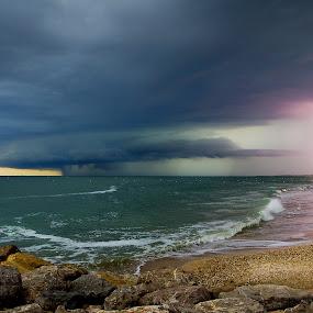 thunderstorm by Olivier Tabary - Landscapes Weather ( éclair, méditérannée, palavas, pwcfoulweather, orage, sea )