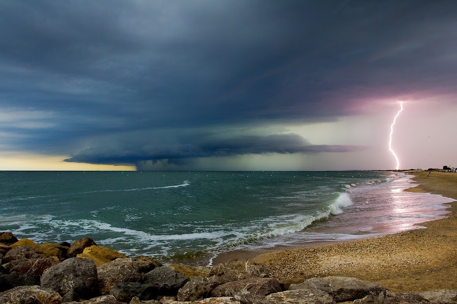 thunderstorm by Olivier Tabary - Landscapes Weather ( éclair, méditérannée, palavas, pwcfoulweather, orage, sea )