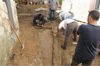 Photo: Aparición en el subsuelo de construcciones antiguas que hay que registrar y cartografiar.