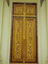 Photo: A door of gold in Phnom Penh.