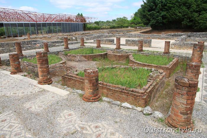 Древний город Конимбрига в Португалии