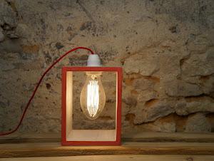 lampe béton ciré rouge création fait main de lampe de bureau en béton