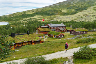Photo: Bjørnhollia is one of the many cabins operated by The Norwegian Trekking Association, and is located in the Rondane mountain range.